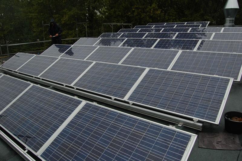 Wedler Photovoltaik Berlin, öffentliche Schule mit Solarworld